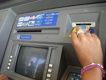 ¿Sueñan los cajeros electrónicos con prestaciones laborales?